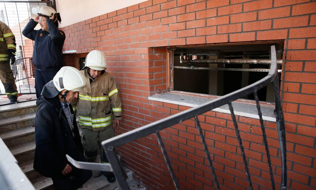 Ισχυρή έκρηξη φυσικού αερίου σε σχολείο στη Σμύρνη - Τουλάχιστον ένας νεκρός