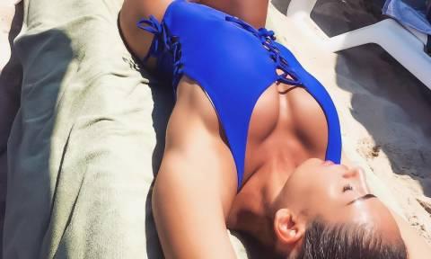 Η Ραφαέλα κολάζει το Instagram με τις καμπυλάρες της! (pics)
