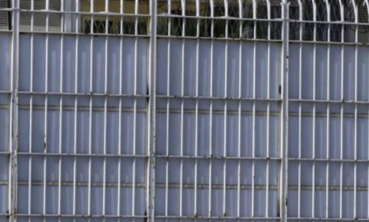 Εισαγγελική έρευνα για το θάνατο του 26χρονου κρατούμενου στις φυλακές Λάρισας