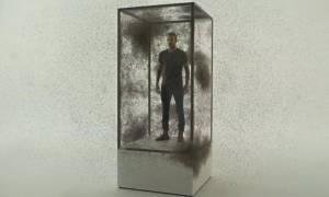 Βίντεο: Ο Ντέιβιντ Μπέκαμ σε γυάλινο κουτί με 10.000 κουνούπια - Τι συνέβη;