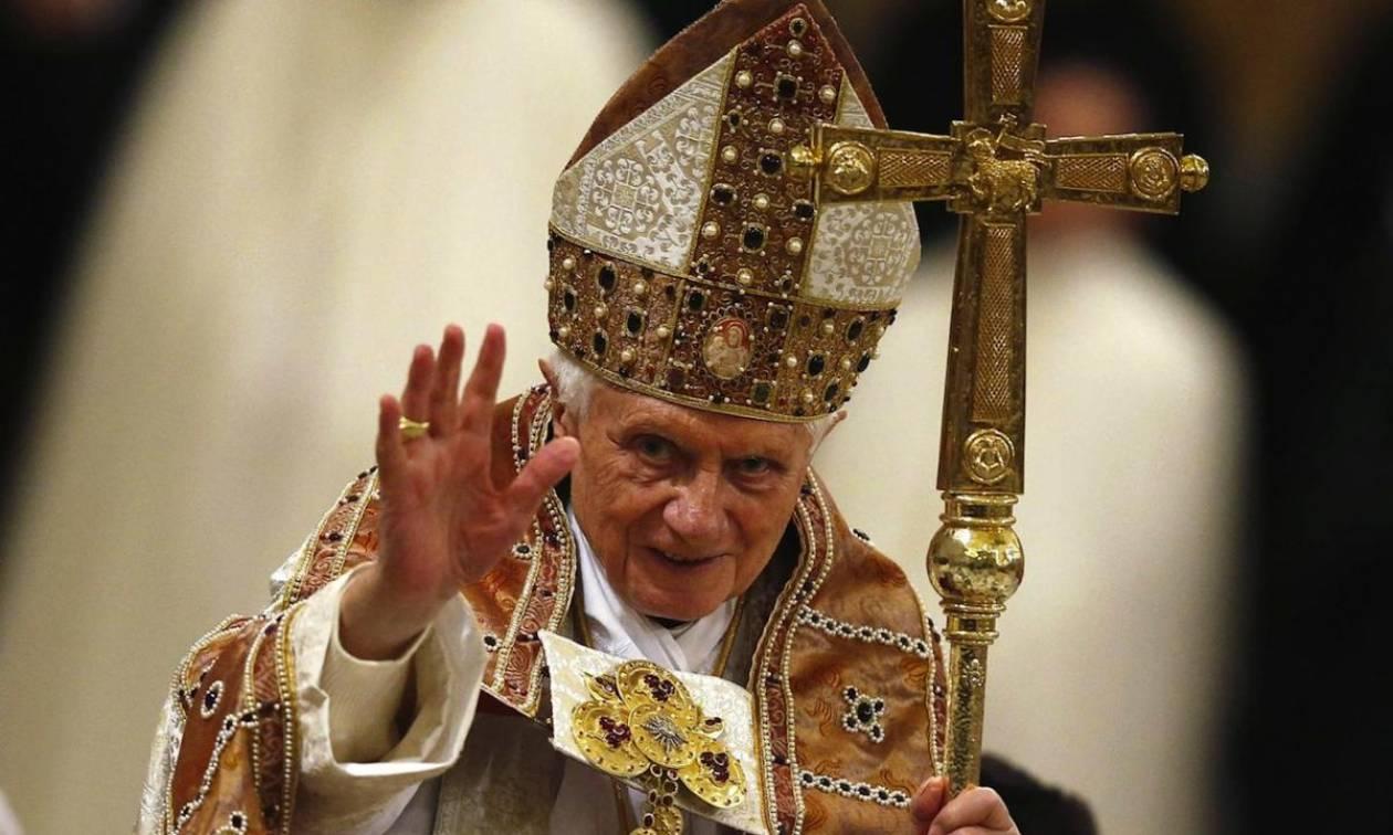 Σοκ στο Βατικανό: Αργοπεθαίνει ο πάπας Βενέδικτος