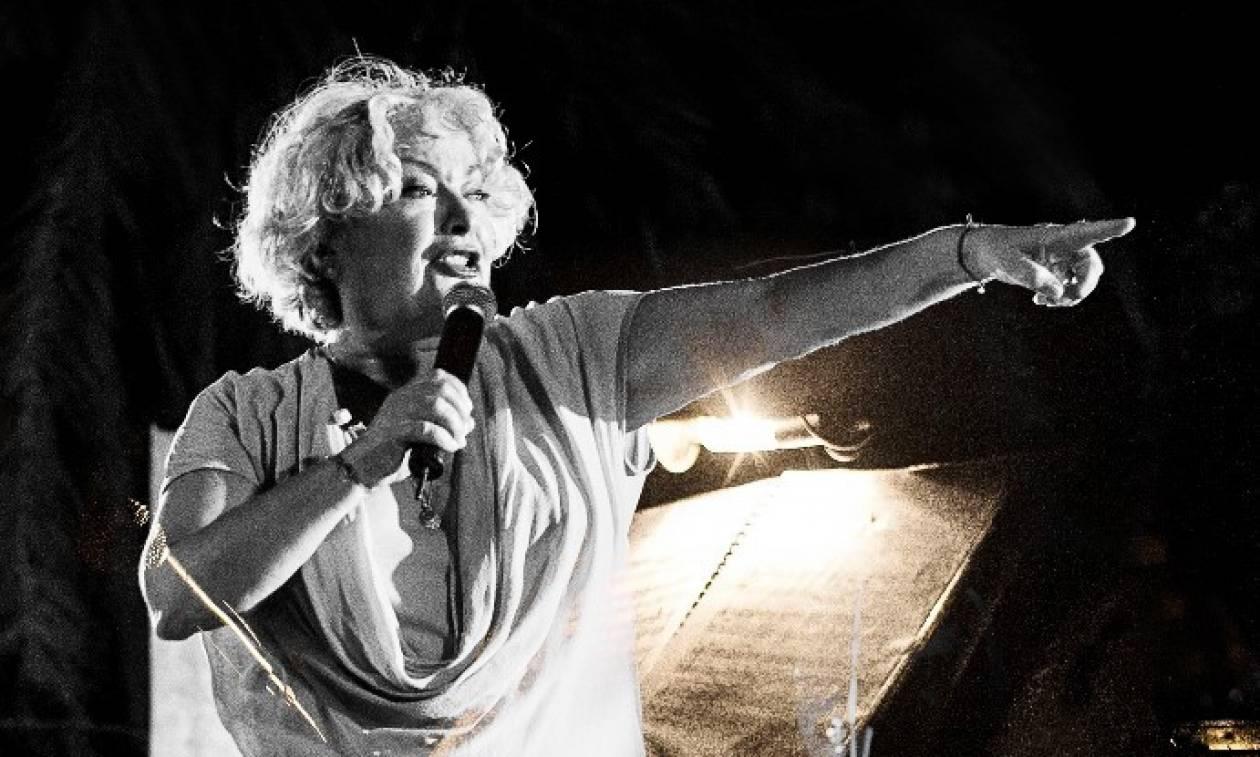 Η Τάνια Τσανακλίδου συνεχίζει της εμφανίσεις της και τον Μάρτιο στο Σταυρό του Νότου