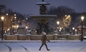 Κακοκαιρία Γαλλία: Ακυρώσεις και καθυστερήσεις πτήσεων λόγω χιονόπτωσης στο Παρίσι