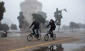 Η ομίχλη «πνίγει» τη Θεσσαλονίκη – Δείτε τις απίστευτες φωτογραφίες
