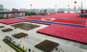 Βόρεια Κορέα: Δείτε την εντυπωσιακή στρατιωτική παρέλαση στην Πιονγιάνγκ (Vid)