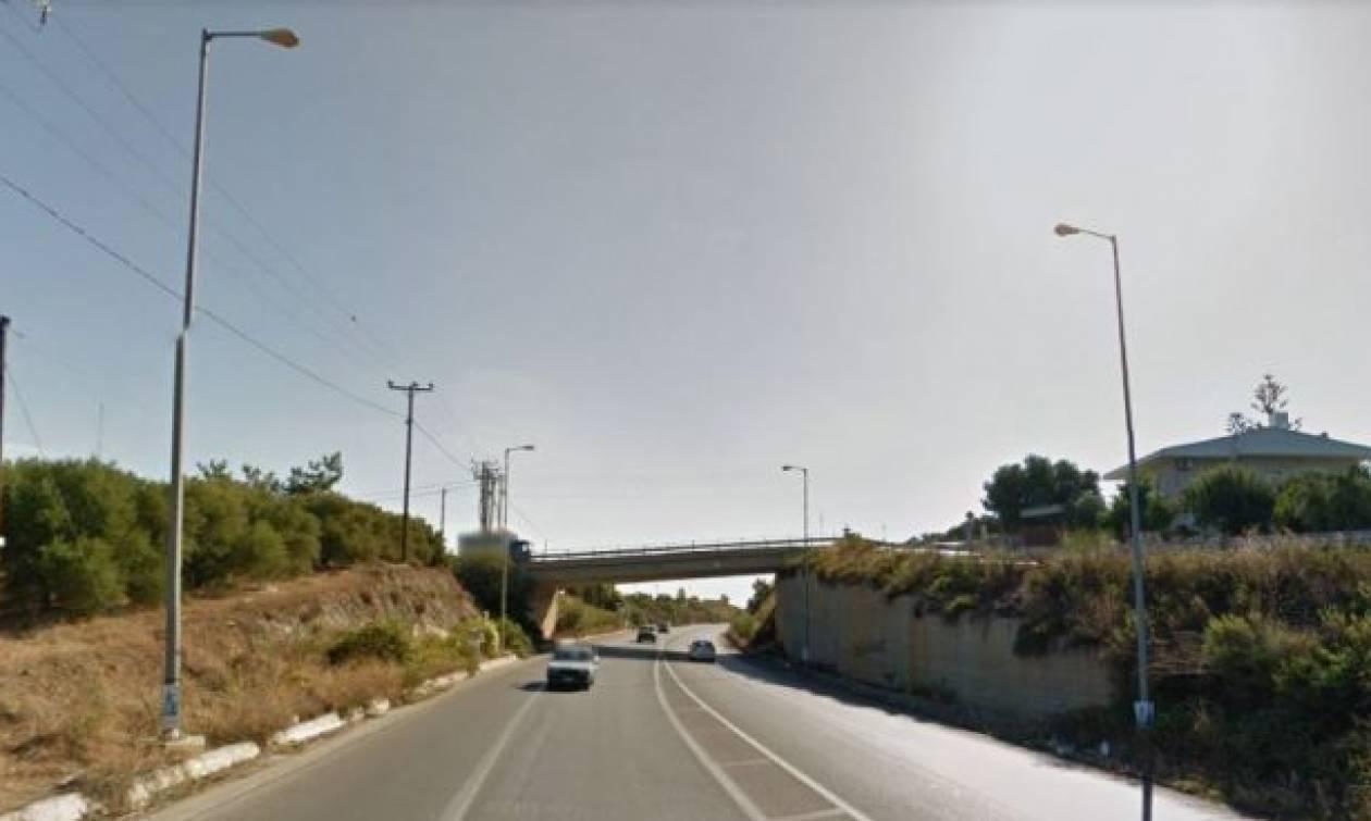 Κρήτη: Δείτε τον ασυνείδητο οδηγό φορτηγού που το πάει φιρί φιρί για ατύχημα (pics)