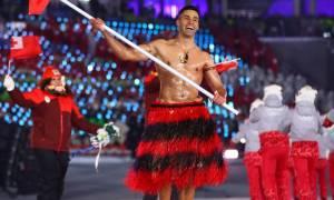 Χειμερινοί Ολυμπιακοί Αγώνες 2018: Ο σημαιοφόρος της Τόνγκα που... τράβηξε τα βλέμματα!