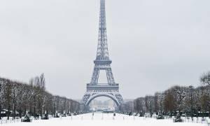 Γαλλία: Κλειστός ο Πύργος του Άιφελ λόγω πάγου