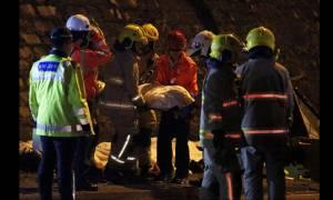Χονγκ Κονγκ: Δεκάδες νεκροί και τραυματίες σε ανατροπή λεωφορείου, υπό κράτηση ο οδηγός