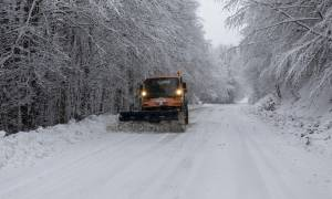 Κακοκαιρία - «Ιοκάστη»: Ποιοι δρόμοι είναι κλειστοί-Πού χρειάζονται αντιολισθητικές αλυσίδες (pics)