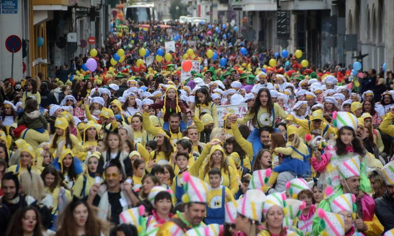 Πατρινό Καρναβάλι: Χιλιάδες μικροί καρναβαλιστές «πλημμύρισαν» τους δρόμους της Πάτρας (pics)