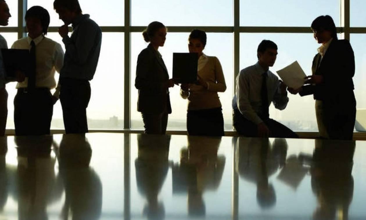 Ψάχνεις εργασία; Το Δημόσιο προσλαμβάνει! Κενές μόνιμες θέσεις με μισθό έως €59.000