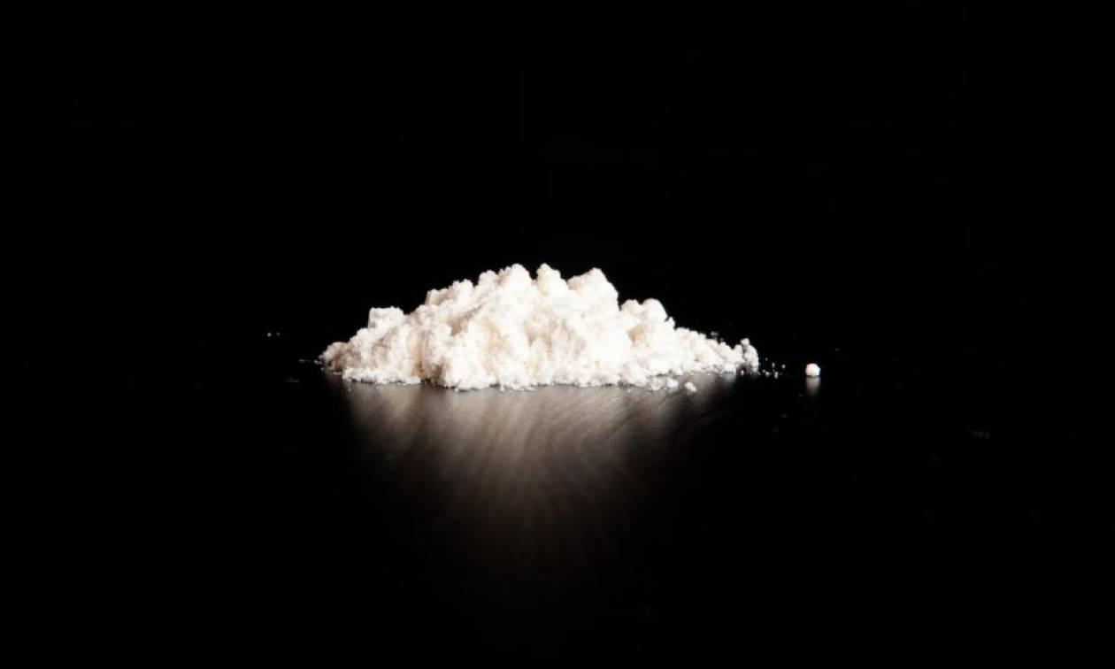 Δεν πίστευαν στα μάτια τους: Επιβάτης είχε φορέσει ψεύτικους γλουτούς γεμάτους κοκαΐνη (Pic)