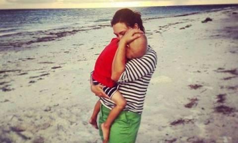 «Το παιδί μου δίνει μάχη με τον καρκίνο κι αυτά είναι όσα θέλω να ακούσω από εσένα»