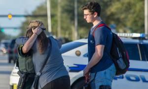 Φλόριντα: «Μείνε κρυμμένη... σ' αγαπώ» - Συγκλονίζει η 15χρονη που επέζησε από το μακελειό