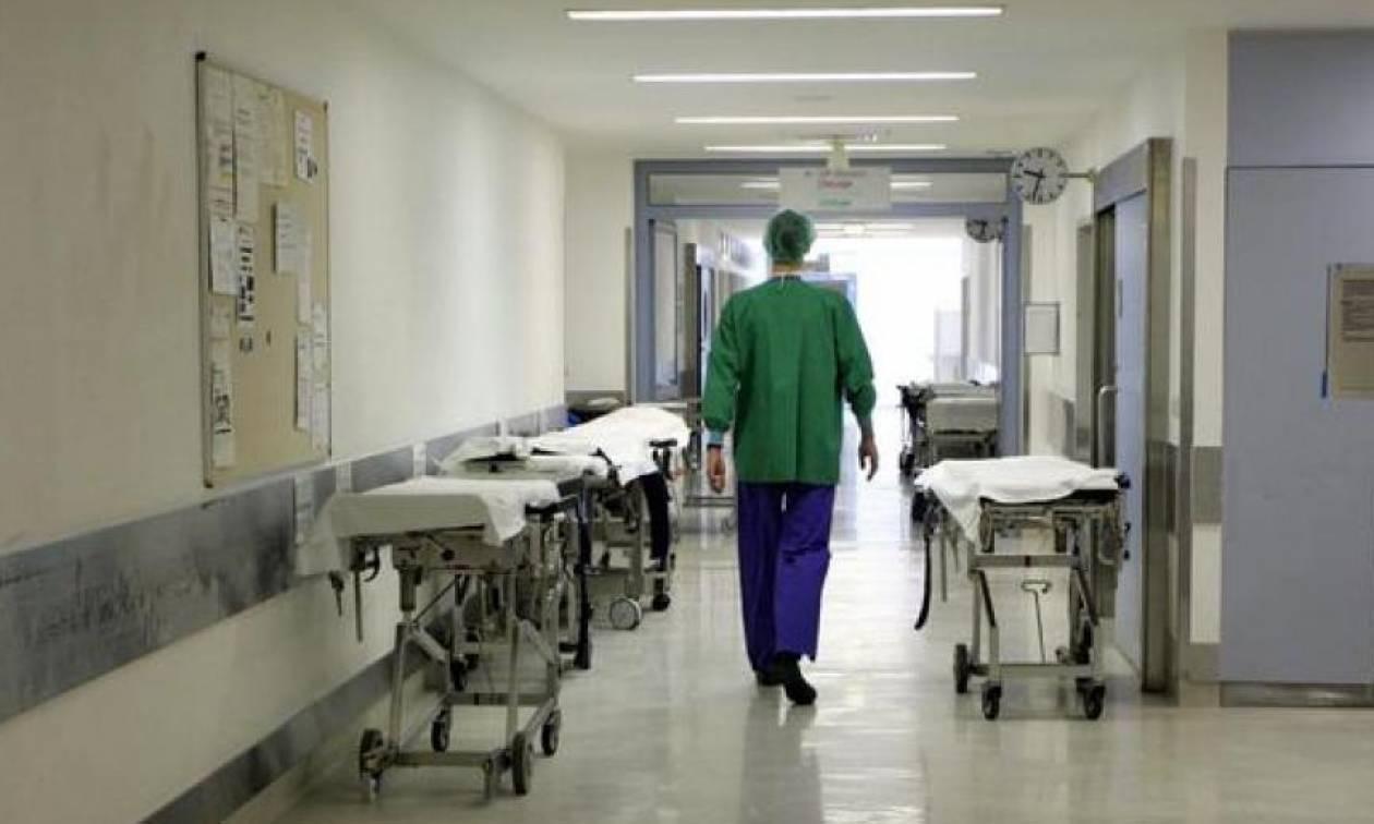 Θέσεις εργασίας: Απίστευτο! Ζητούν Έλληνες γιατρούς με μισθό 11.000 ευρώ (αφορολόγητα)