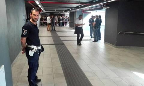 Βίντεο ΣΟΚ: Δραματική διάσωση 2χρονου που έπεσε στις ράγες του μετρό στο Μιλάνο