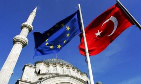 Χιλιάδες Τούρκοι πασχίζουν για την ελληνική υπηκοότητα – Ηλεκτρονική εφαρμογή βρίσκει τις ρίζες τους