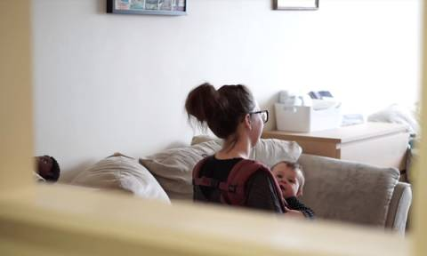 Αν γκρινιάζετε ότι το σπίτι σας είναι μικρό, τότε δείτε την ιστορία αυτής της οικογένειας (vid)