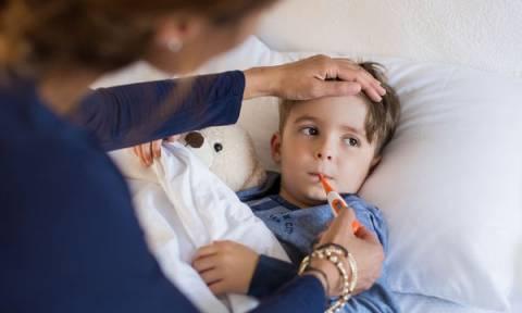 Παιδί και γρίπη: Τι θα πρέπει να δίνετε στα παιδιά σας όταν είναι άρρωστα