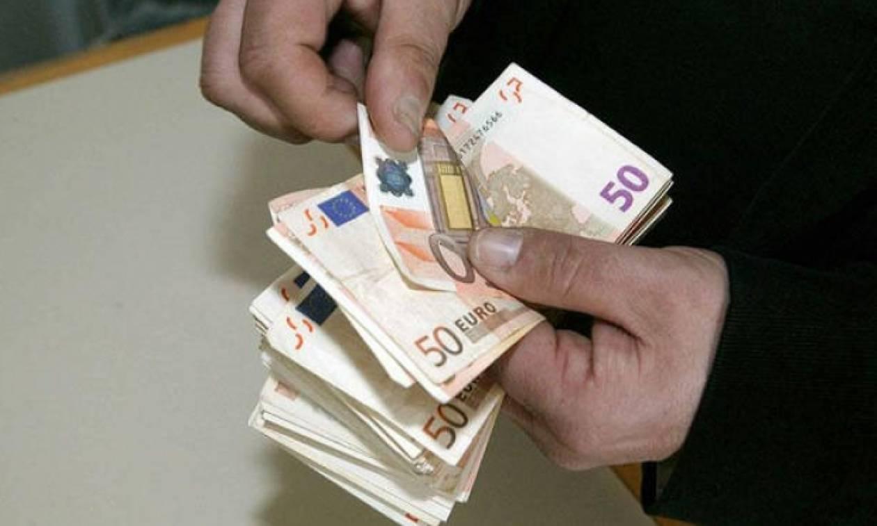 Δουλεύετε αύριο Καθαρά Δευτέρα; Δείτε πόσα χρήματα θα πάρετε