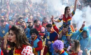 «Μάγεψε» και φέτος το καρναβάλι της Ξάνθης: Χιλιάδες καρναβαλιστές «πλημμύρισαν» την πόλη (pics&vid)