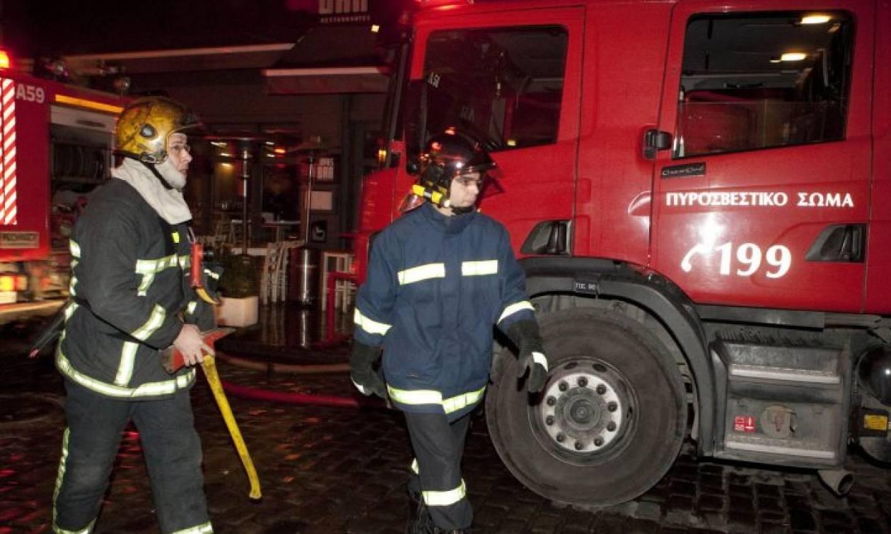 Τραγωδία στη Νίκαια: Ένας άνδρας νεκρός από φωτιά σε διαμέρισμα