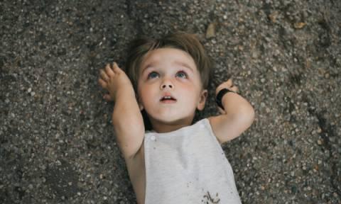 Αυτά είναι τα ανησυχητικά σημάδια αυτισμού σε παιδιά 22- 25 μηνών