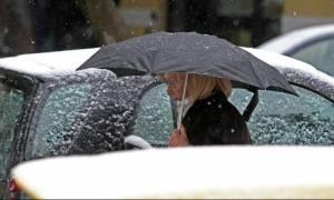 Σε ισχύ το έκτακτο δελτίο της ΕΜΥ: Χιόνια και καταιγίδες την Τετάρτη (21/2)