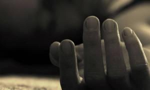 Βόλος: Αυτοκτονία - σοκ συνταξιούχου - Έκοψε το λαιμό του με μαχαίρι