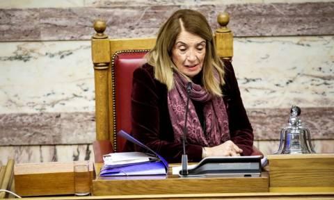 Προανακριτική Novartis – Πανικός στη Βουλή με το «Άι στο διάολο» της Χριστοδουλοπούλου