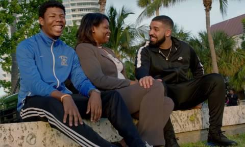 Ο Drake δώρισε 1 εκατ. δολ. σε κατοίκους του Μαϊάμι - Δείτε το βίντεο που έχει γίνει viral