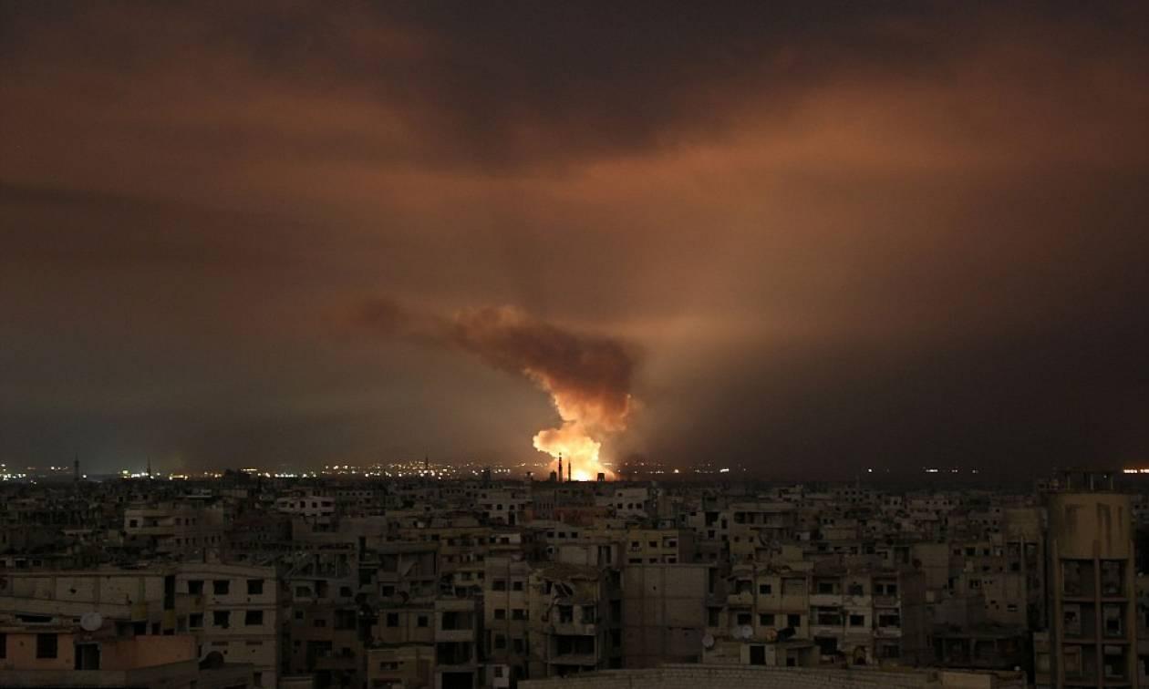 Φωτιά και αίμα: Συγκλονιστικές φωτογραφίες από τον ανηλεή βομβαρδισμό της Γούτα (ΣΚΛΗΡΕΣ ΕΙΚΟΝΕΣ)