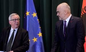 Ο Γιούνκερ προτρέπει τα Τίρανα να διευθετήσουν τα όποια προβλήματα με την Αθήνα