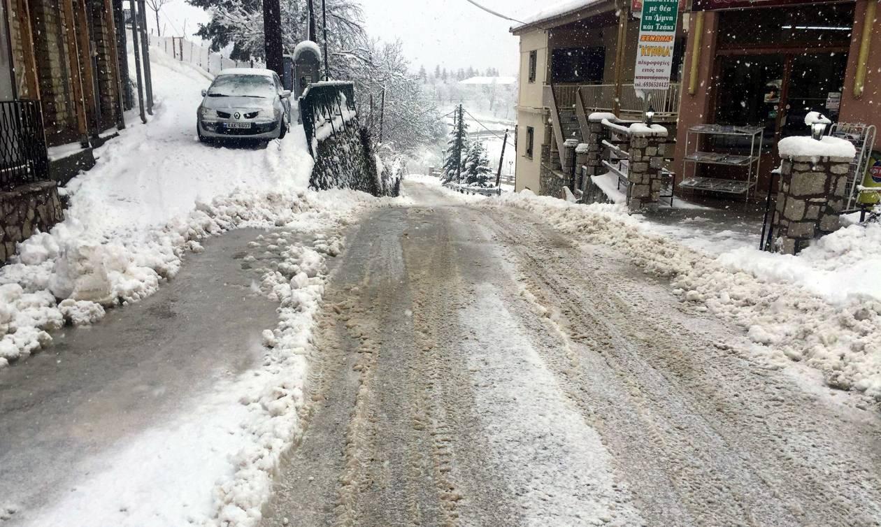 Κακοκαιρία Live: Δείτε πού χιονίζει ΤΩΡΑ – Η «Λητώ» έντυσε στα λευκά τη μισή Ελλάδα