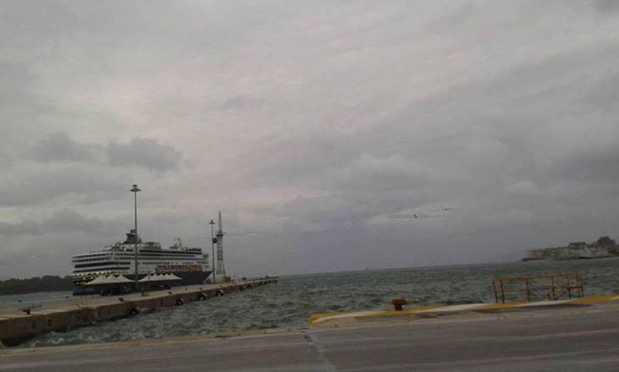 Κακοκαιρία - Κέρκυρα: Με κλειστού τύπου πλοία η πορθμειακή γραμμή