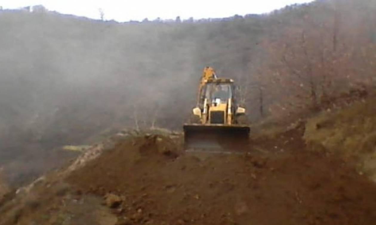 Καιρός ΤΩΡΑ: Εκκενώνονται σπίτια σε χωριό των Τρικάλων λόγω κατολισθήσεων