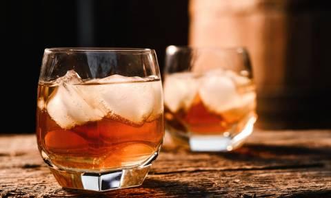 ΕΡΕΥΝΑ: Δείτε γιατί το ουίσκι θεωρείται πιο «υγιεινό» από ΟΛΑ τα άλλα ποτά!
