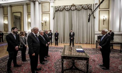 New ministers sworn in at ceremony held in the presence of President Pavlopoulos