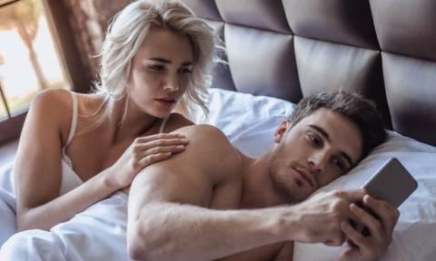 Τι κάνεις όταν βρίσκεσαι σε παράλληλη σχέση; Διεκδικείς ή φεύγεις;