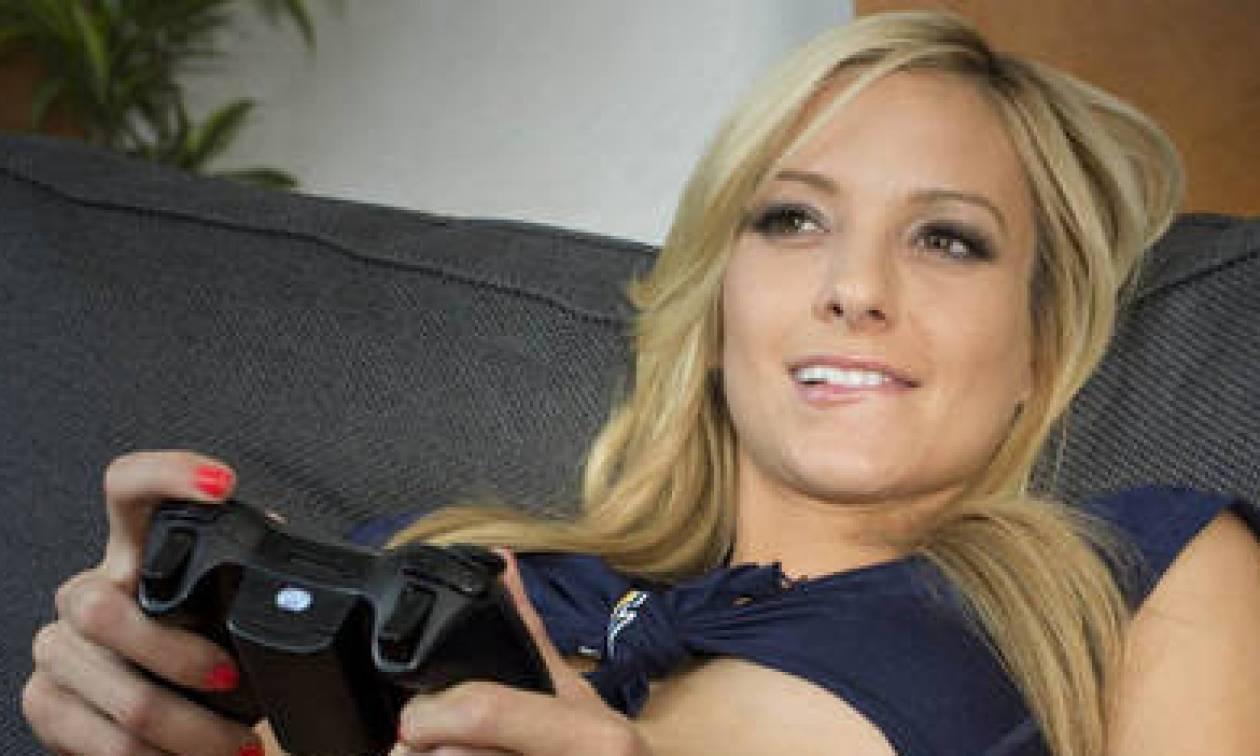 Τα 18 πιο σέξι κορίτσια στο χώρο του gaming! (pics)