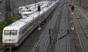 Καθυστερήσεις στα δρομολόγια των τρένων στη δυτική Γερμανία εξαιτίας ενός... ταύρου