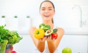 Τρία απλά διατροφικά tips για να νικήσετε τις φλεγμονές