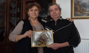 Έβρος - Οι γονείς του λοχία Κούκλατζη στο γερμανικό Spiegel: «Προσευχόμαστε για ένα θαύμα»