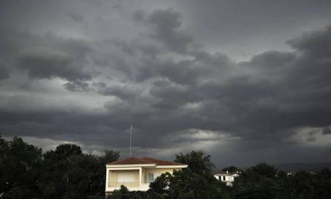 Καιρός τώρα: Τρίτη και 13 με συννεφιά και βροχές - Πού θα σημειωθούν καταιγίδες (pics)