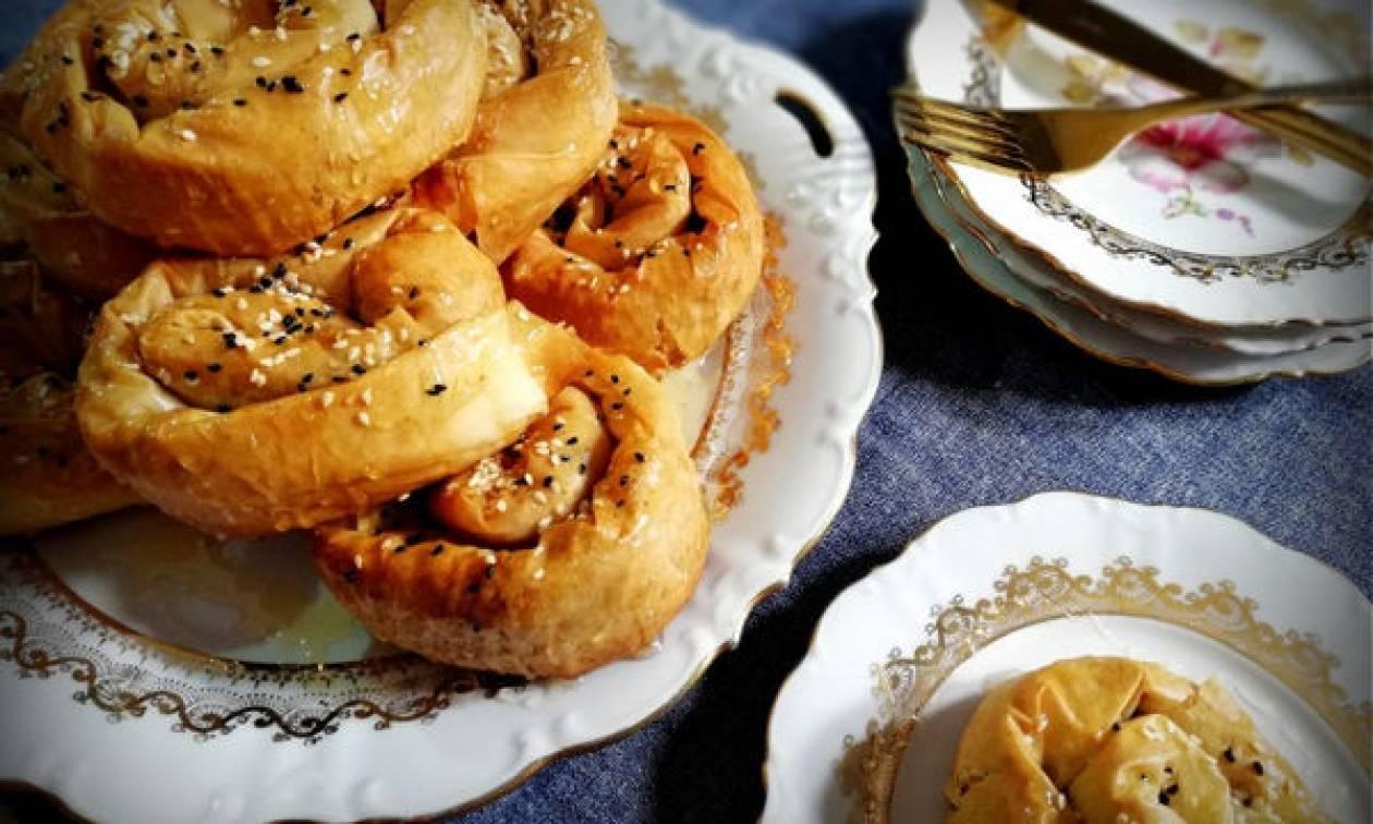 Συνταγή για νόστιμα και νηστίσιμα σουσαμοπιτάκια