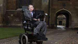 Στίβεν Χόκινγκ: Πέθανε ο άνθρωπος που κοίταζε πέρα από τα αστέρια