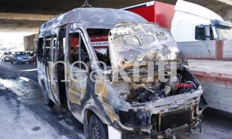 Συγκλονιστικό βίντεο - Πύρινη «κόλαση» στο Ηράκλειο με φλεγόμενο αυτοκίνητο