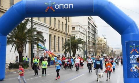7ος Ημιμαραθώνιος Αθήνας: Χιλιάδες συμμετέχοντες έζησαν την εμπειρία ΟΠΑΠ (pics+vid)