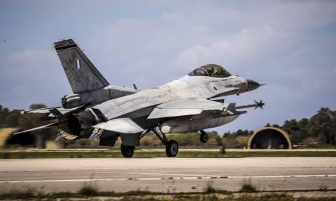 Ανατριχίλα: Αυτός είναι ο κορυφαίος Έλληνας πιλότος του νατοϊκού «Top Gun» (vid)